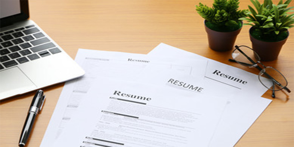 6 Resume Writing Tips to Help You Land on a Job